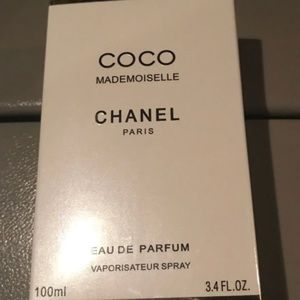 Chanel coco Mademoiselle 3.4 new!!